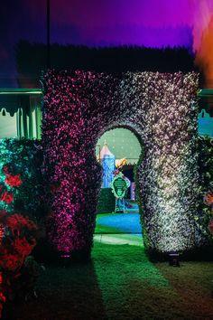 alice in wonderland - entrance idea More