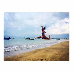 【cocozhuxz】さんのInstagramをピンしています。 《Jump higher then see far.. Happy weekend😁🌊 #  # # #jump #beach #bali #dance #yoga  #surf #travel #highjump #photo #training #body #bodyfitness #coreworkout #dancer #adventuretime #discover #positive #challenge #バリ島 #ビーチ #旅 #ダンス #撮影 #ハイジャンプ #ヨガ #cocozhuxz #冒険 #海 #サーフィン #サーフィン女子》