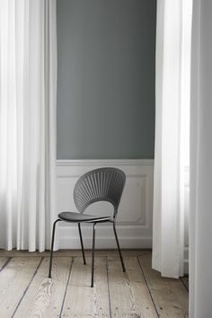 Fredericia - The precise transparency of the Trinidad chair almost dissolves in a play of light and shadow, yet at the same time gives the chair a strikingly bold voice. Light And Shadow, Trinidad, Room Interior, Interior Architecture, Upholstery, Rooms, Interiors, Play, Chair