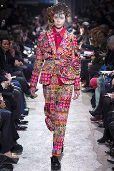 Comme des Garçons Fall 2013 Ready-to-Wear Collection - Vogue Mens Fashion Week, High Fashion, Fashion Show, Womens Fashion, Timeless Fashion, Paris Fashion, Fashion Brand, Vogue Paris, Style Haute Couture