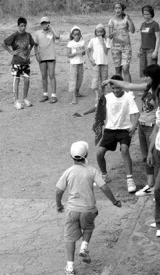 El juego del pañuelo Nostalgia, 90s Girl, Black And White Aesthetic, Best Vibrators, Old Tv, Happy Moments, Sweet Memories, My Memory, Vintage Children