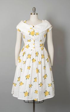 Kurta Designs Women, Kurti Neck Designs, Kurti Designs Party Wear, Dress Neck Designs, 1950s Fashion Dresses, Frock Fashion, 50s Dresses, Vintage Dresses, Flapper Dresses