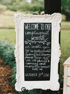 An unplugged wedding: http://www.stylemepretty.com/georgia-weddings/atlanta/2016/02/22/classic-southern-plantation-wedding-in-georgia/ | Photography: Simply Sarah - http://simplysarah.me/