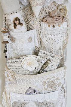 Shabby Chic - pocket lace hanger