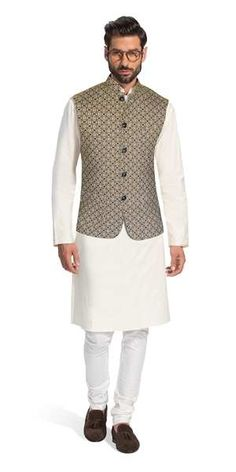 Herringbone & Sui creates impeccable made to measure suits and Indian formal wear for sophisticated men. Explore our latest collections of luxury suits, sherwani's and bandhgala's. Indian Wedding Mens Attire, Indian Formal Wear, Indian Groom Wear, Wedding Dress Men, Wedding Suits, Kurta Pajama Men, Kurta Men, Blue Slim Fit Suit, Custom Tailored Suits