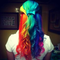 Rainbow #ManicPanic hair, from Acid Spring in Colombia!
