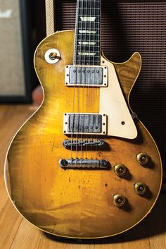 Vintage Guitar always delivers the foremost intriguing info for all sorts of classic equipment, the truly amazing companies which developed them. Gibson Les Paul, Gibson Epiphone, Gibson Guitars, Fender Guitars, Gretsch, Vintage Les Paul, Famous Guitars, Joe Bonamassa, Les Paul Guitars