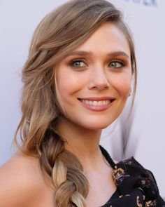 """2,008 curtidas, 11 comentários - Elizabeth Olsen (@elizabetholsen.ig) no Instagram: """"Traditionally I post a few new photos that were lost in the flow of a lot of news. I hope you like…"""""""