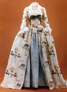 Historical fashion and costume design. 18th Century Dress, 18th Century Costume, 18th Century Clothing, 18th Century Fashion, 17th Century, Robes Vintage, Vintage Dresses, Vintage Outfits, Vintage Fashion
