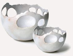 These remind me of the hot pots in Yellowstone Sara Kirschen - pierced bowls Porcelain Clay, Ceramic Clay, Ceramic Bowls, Pottery Bowls, Ceramic Pottery, Pottery Art, Clay Design, Ceramic Design, Sculptures Céramiques