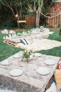 A Pretty Backyard Picnic...that's SO doable. Sources on it all.