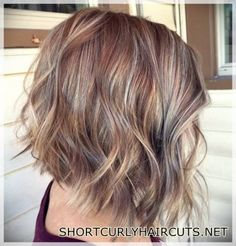 70 Best A-Line Bob Hairstyles Screaming with Class and Style Caramel Bob With Ash Blonde Highlights Inverted Bob Haircuts, Choppy Bob Hairstyles, Haircuts For Fine Hair, Cool Haircuts, Short Haircuts, Layered Hairstyles, Bob Haircut For Fine Hair, Line Bob Haircut, Wavy Bobs