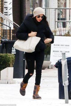 Meghan Markle wearing Kamik Sienna Boots and Goyard Tote