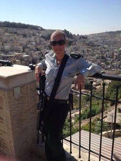 Maj. Oshrat Bachar recently became first woman to command an #IDF combat battalion. #IDFdiversityweek pic.twitter.com/1esKqzLKjG