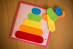 Quiet Book Templates, Quiet Book Patterns, Montessori Books, Montessori Activities, Sensory Activities Toddlers, Infant Activities, Diy Quiet Books, Sensory Book, Felt Baby