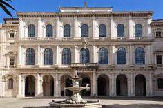 Palacio de Barberini.  Es un  palacio construido en Roma  por la familia Barberini. Esta familia   vendió el edificio al Estado italiano.  Consta de numerosas ventanas.  La bóveda del salón    principal fue pintada al fresco. En la 2º planta hay 13    salas dedicadas a pintores italianos.