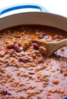 chili recipe A fantastic award winning chili con carne, with beef, pork, three kinds of chilis, a perfect balance of spice and heat. Best Chili Recipe, Chilli Recipes, Bean Recipes, Mexican Food Recipes, Soup Recipes, Cooking Recipes, Smoothie Recipes, Diet Recipes, Recipes