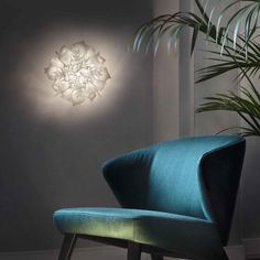 Slamp Veli Couture seinävalaisin vaihdettavilla led lampuilla Inside A House, House Interiors, Led, Couture, Furniture, Design, Home Decor, Decoration Home, Room Decor