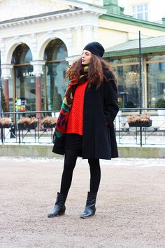 Red for Finnish Christmas, red maxi sweater, beanie and ankle boots