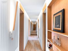 Marvelous Home Corridor Design Ideas That Looks Modern 38 Hotel Hallway, Hotel Corridor, Corridor Ideas, Interior Design Magazine, Design Your Home, House Design, Design Homes, French Apartment, Apartment Projects