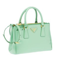 I'd give my soul for this mint Prada