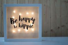 ¿Quieres saber cómo hacer una caja de luz personalizada? Fácil y rápido. Descubre los pasos en nuestro nuevo post. ¡Mira! Diy Arts And Crafts, Diy Crafts, Diy Tumblr, Sunflower Wallpaper, Bright Art, Decoration, Diy Home Decor, Projects To Try, Frame