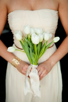 This bouquet is interesting in how it's tied together at a lower point on the stems