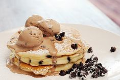 icecream on my chocolate chip pancakes. let me just say mmmmmmmmmmmmmmmmmmmmm.......