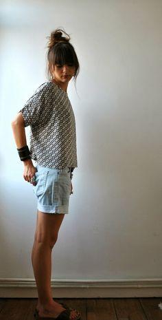Les Trucs de Tatihou ...: Victor ... White Shorts, Denim Shorts, Japanese Patterns, Spring Summer, Sewing, Knitting, Casual, T Shirt, Craft