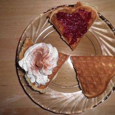 Bögrés piskóta - sütnijó! – Kipróbált sütemény receptek Waffles, Pie, Breakfast, Food, Torte, Tart, Fruit Cakes, Waffle, Hoods