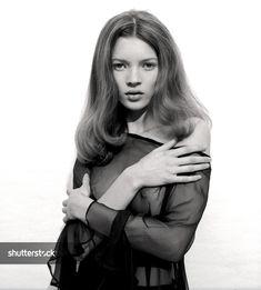 '90s Fashion: How Kate Moss's Cool-Girl Attitude Led a Fashion Era - The Shutterstock Blog