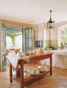 New kitchen tile floor wood light fixtures Ideas Kitchen Tiles, Kitchen Flooring, New Kitchen, Kitchen Dining, Kitchen Decor, Country Kitchen, Kitchen Island, Tile Flooring, Kitchen Cabinets