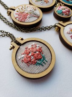 Hand Embroidered Mini Hoop Necklace with Rose Bouquet. Wearable Art Hand Embroidered Mini Hoop Necklace with Rose Bouquet. Embroidery Scissors, Embroidery Jewelry, Embroidery Hoop Art, Vintage Embroidery, Cross Stitch Embroidery, Embroidery Patterns, Flower Embroidery, Jacobean Embroidery, Best Friend Gifts