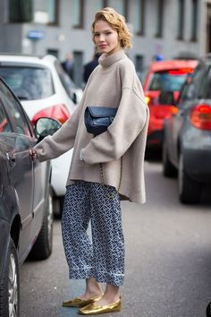 silk-pant outfits: printed pants and oversize sweater