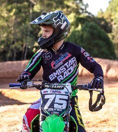 Emistar Racing - Pratique seu estilo! Torres Rs, Custom Products, Motorbikes, Style