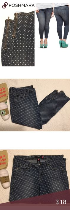 Torrid Skinny Polka Dot Jeans Skinny Ankle Jeans with outer ankle zippers. 52% cotton 32% Rayon 15% Polyester 1% Spandex. There is a small stain on right butt check very low, due to placement it is not noticeable. There jeans are amazing ! Pair with heels or wedges. 👀 torrid Pants Ankle & Cropped