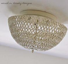 Confira como confeccionar uma bela luminária para decorar a sua casa, de uma maneira bem simples.