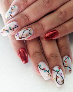 Christmas Gel Nails, Xmas Nail Art, Holiday Nails, Christmas Time, Christmas Lights, Christmas Tree Nail Art, Cute Acrylic Nail Designs, Christmas Nail Art Designs, Winter Nail Designs