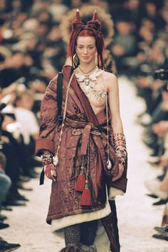 After over 30 years, legendary designer Jean Paul Gaultier will stage his final runway show in Paris today. Here, the provocateur looks back on his boldest moments in fashion. Dubai Fashion, 90s Fashion, Fashion Models, High Fashion, Fashion Show, Vintage Fashion, Womens Fashion, Fashion Trends, Celebrities Fashion