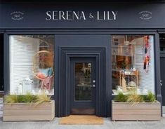 San Francisco Welcomes Serena & Lily's New Design Shop - Poppy Creative Agency Shop Signage, Signage Design, Facade Design, Exterior Design, Design Shop, Shop Front Design, Exterior Signage, Wall Exterior, Stucco Exterior