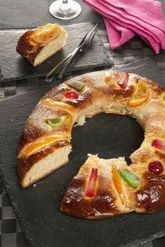 Rosco de Reyes de Bruno Oteiza Mexican Sweet Breads, Mexican Food Recipes, Fun Easy Recipes, Sweet Recipes, Pan Dulce, Recipes From Heaven, Sweet Cakes, Sweet Desserts, Love Food