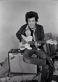 Mike Bloomfield, Electric Flag rehearsal Bloomfield played one of the coolest leads ever on Desolation Row, for Bob Dylan's Highway 61 Revisited album, 1965 Jazz Music, Music Icon, Rock Music, My Music, Mike Bloomfield, Blues Artists, Music Artists, Inspirer Les Gens, Classic Blues