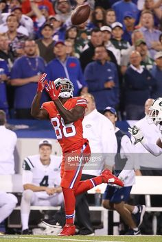 Marquise Goodwin #88 of the Buffalo Bills catches a touchdown pass from Tyrod Taylor #5 of the Buffalo Bills during the first half against the New York Jets at New Era Field on September 15, 2016 in Orchard Park, New York.