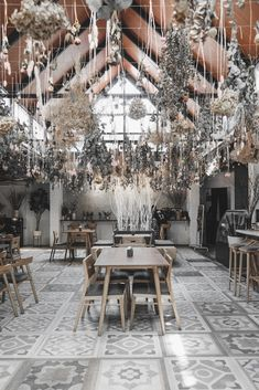 Cafe Interior, Table Decorations, Kitchen, Furniture, Home Decor, Cooking, Decoration Home, Room Decor, Cafe Interiors