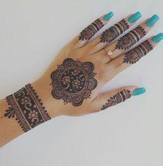 Easy Henna Design for Your Hands – Henna Tattoos Mehendi Mehndi Design Ideas and Tips Henna Hand Designs, Circle Mehndi Designs, Pretty Henna Designs, Mehndi Designs Finger, Mehndi Designs For Girls, Bridal Henna Designs, Mehndi Design Photos, Mehndi Designs For Fingers, Mehndi Art Designs
