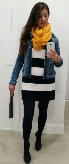 Outfit con vestido de rayas
