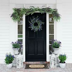 Great front door ideas for your home. Country Front Door, Best Front Doors, Front Door Porch, Porch Doors, Front Door Entrance, Door Entryway, Front Entrances, Front Door Decor, Entry Doors