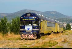 Coming from the inversión triangle, and ready to go to the depot until next departure. This local service links Bariloche-Ingeniero Jacobacci, 400km aprox.