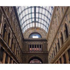 • #naples #perspective #photography #focus #scatti #passeggiando #details #colors #columns #workinprogress #art #picture #picoftheday #passion #windows #arch #italy #igersitalia #nofilter #travel #travelling #artlover #architecture #instagram #instagramers #instagood #instatravel #like4like #iphonesia #gm http://tipsrazzi.com/ipost/1513702564934511870/?code=BUBwHZ-hOz-