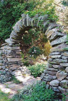 Arc de voute en pierres plates